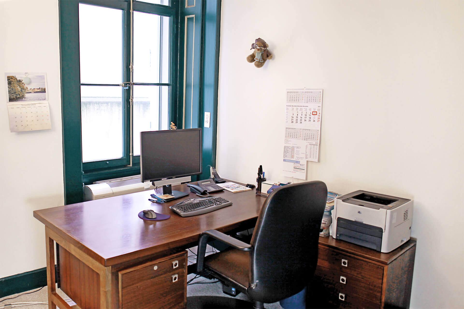 Bureau n°1 place de travail individuelle